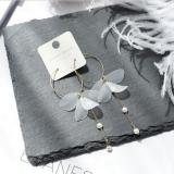【4-6左右】韩国亚克力透明花瓣珍珠圆圈耳环