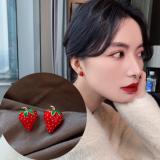 S925银针韩国少女感可爱小巧草莓街拍网红百搭耳钉