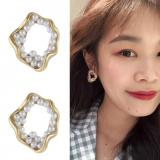S925银针韩国珍珠个性冷淡风耳环气质简约设计感耳钉