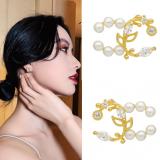 S925银针韩国花瓣珍珠气质网红新款小巧耳钉