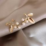 S925银针韩国文艺气质简约珍珠金属优雅叶子耳钉