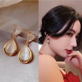 S925银针韩国猫眼水滴高级感2020年新款时尚通勤网红气质耳钉