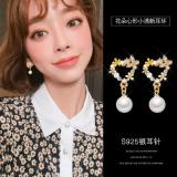 S925银针韩国新款个性百搭花瓣珍珠小清新花朵耳环耳钉