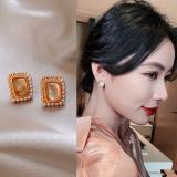 S925银针韩国小众高级感通勤简约气质方块珍珠耳钉