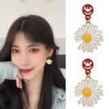 S925银针韩国东大门小雏菊花笑脸花朵气质简约少女耳钉