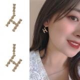 S925银针韩国新款H字母满钻冷淡风复古耳钉耳环女