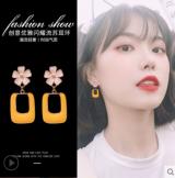 S925银针韩国高级感百搭气质网红花朵滴油耳钉