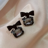 【4-10左右】S925银针韩国黑色宝石新款气质网红蝴蝶结小巧耳钉耳环女