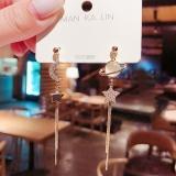 【5-24左右出货】S925银针韩国星月宇宙不对称长款流苏镶钻猫眼五角星耳钉耳饰