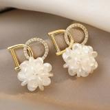 S925银针韩国字母高级感花朵设计感小众网红同款耳钉耳饰女