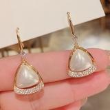 S925银针韩国珍珠三角气质高级感镶钻复古百搭耳钉耳饰女