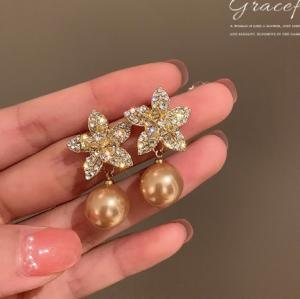 S925银针韩国香槟色珍珠镶钻花朵2021年新款潮气质网红百搭耳钉耳饰女