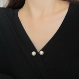【10-16左右】韩国珍珠防走光扣高档一字插针开衫毛衣小胸针